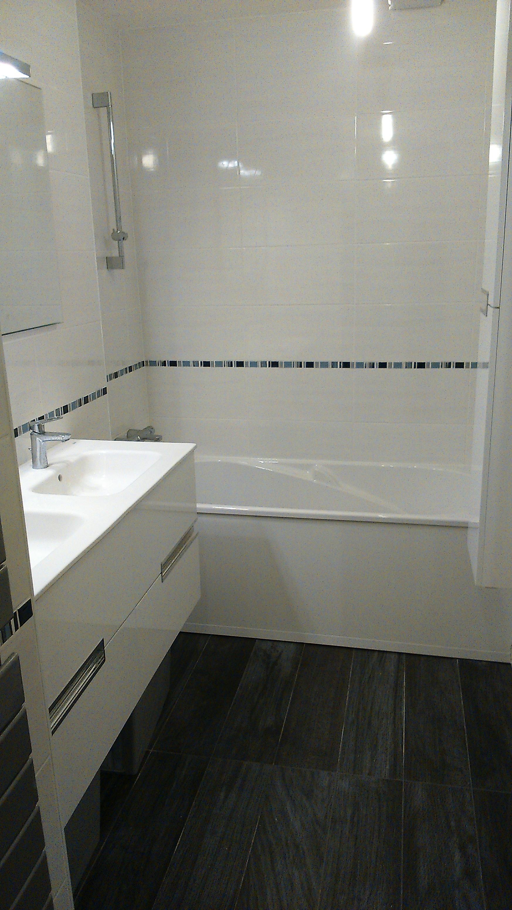 Rénovation complète d\'une surface en salle de bain